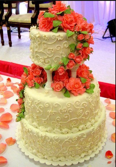 Roman Short Pillars Wedding Cake